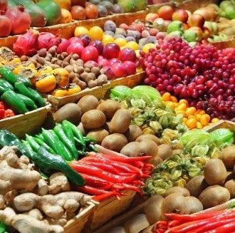 המעבר לתזונה בריאה: התרומה הבריאותית של פירות וירקות