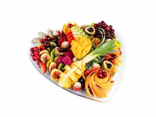 מגש פירות לב- עינוגי פירות באהבה 2
