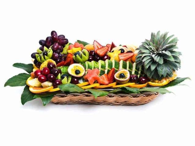 סלסלת פירות מגישים ומרגשים